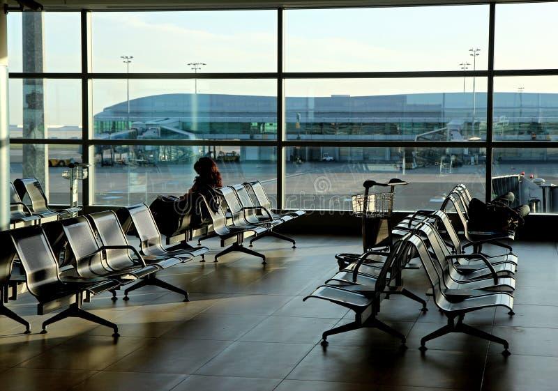 flygplats som bygger nya platser för tom korridor fotografering för bildbyråer