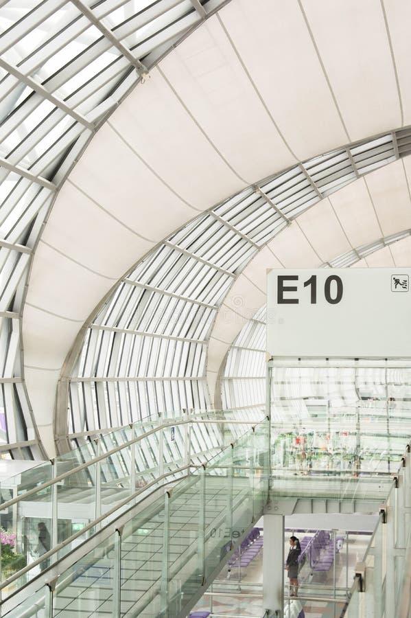 Flygplatsavvikelseport royaltyfri fotografi