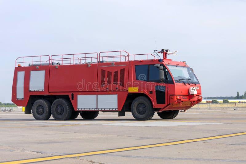 Flygplatsbrandmotor royaltyfri foto