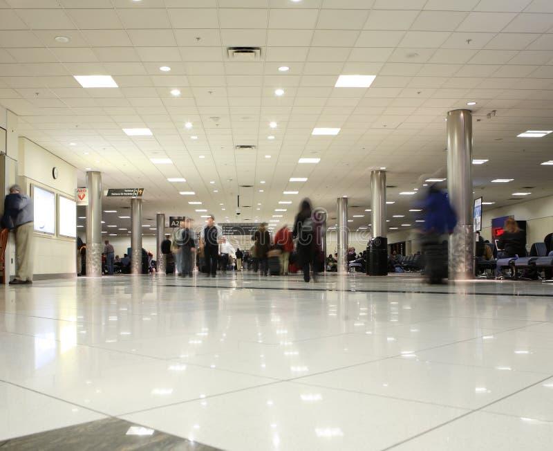 flygplatsconcourse arkivfoto