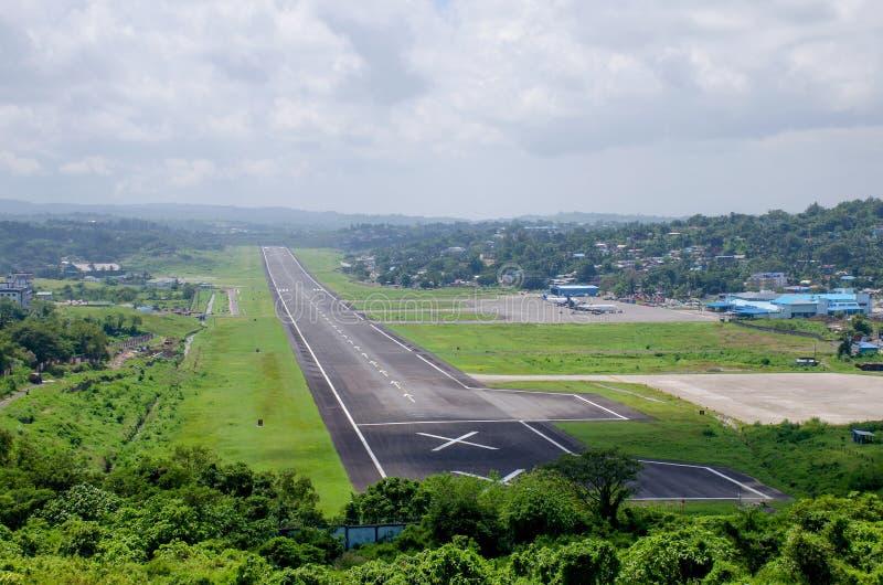 Flygplatsen ett landskap som Port Blair India arkivfoto