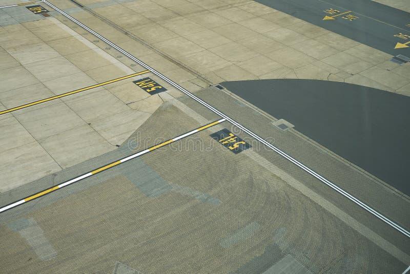 Flygplatsen utfärda utegångsförbud för tecken royaltyfria foton