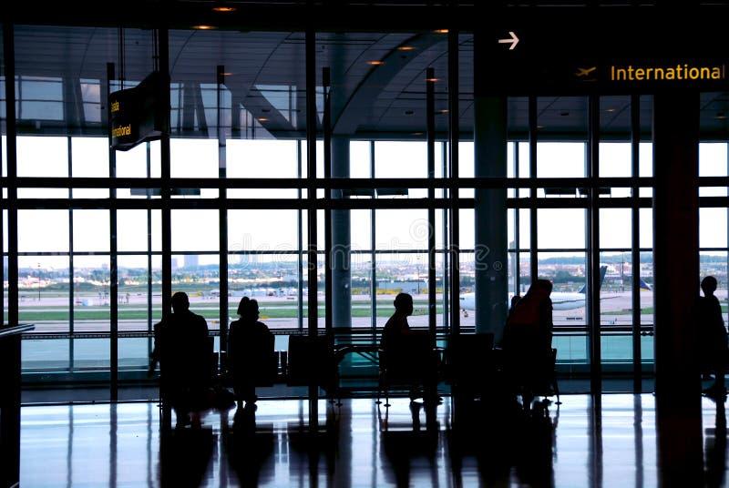 flygplatsfolk arkivfoton