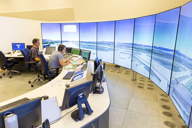 Flygplatskontrollrum royaltyfria bilder