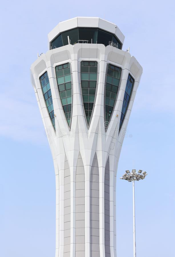 Flygplatskontrolltorn royaltyfri bild