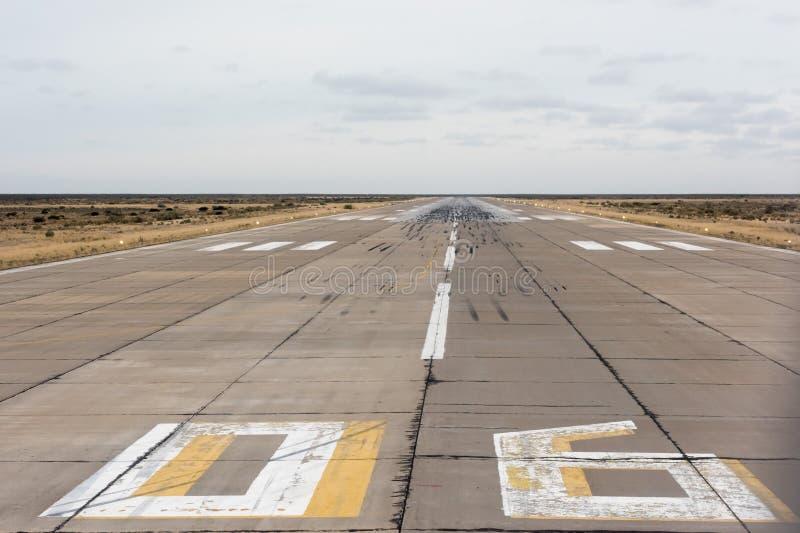 Flygplatslandning och tar av zon royaltyfria bilder