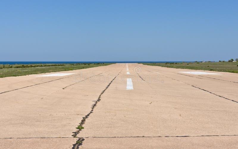 Flygplatslandningsbana royaltyfria foton