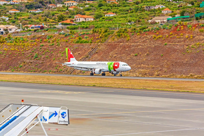 Flygplatsmadeira - flygbuss A320 royaltyfri bild