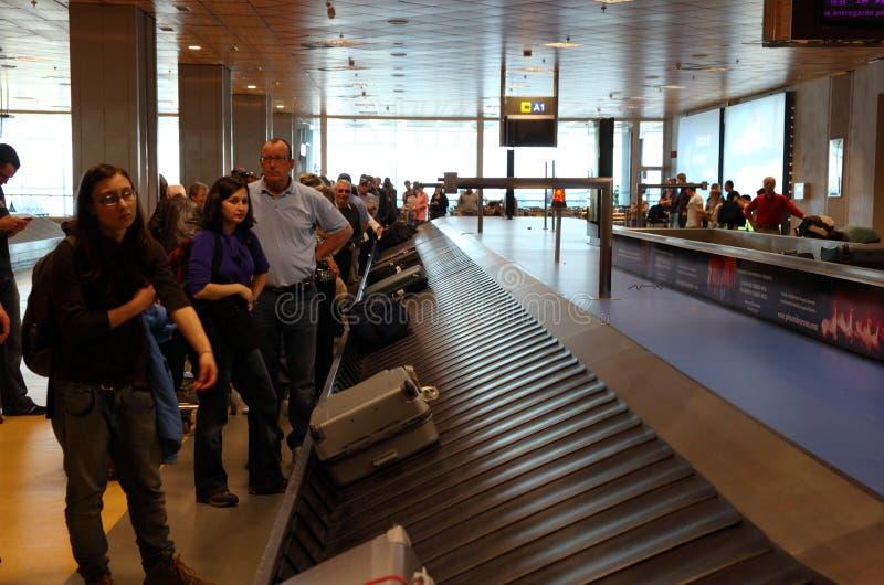 flygplatsreklamationsbagage royaltyfri bild