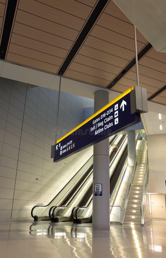 flygplatstecken fotografering för bildbyråer