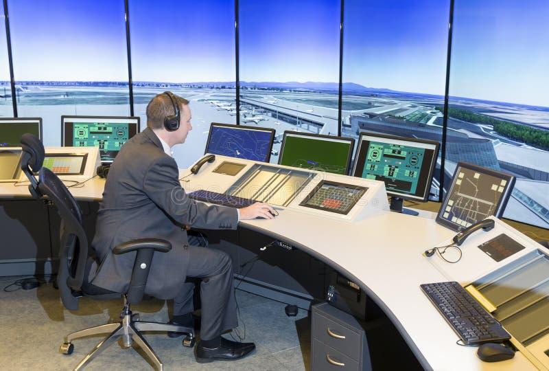 Flygtrafikservicemyndighet arkivfoton