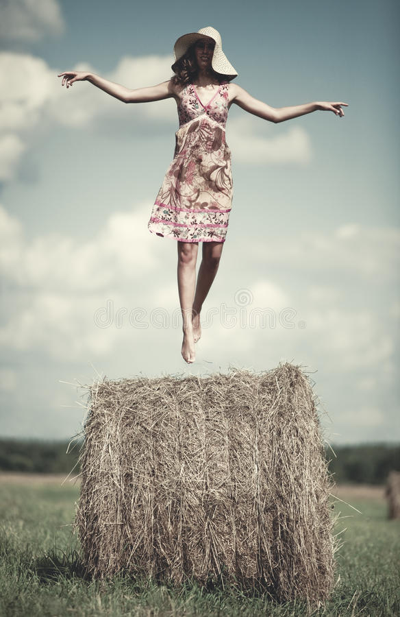 flying woman young arkivfoto
