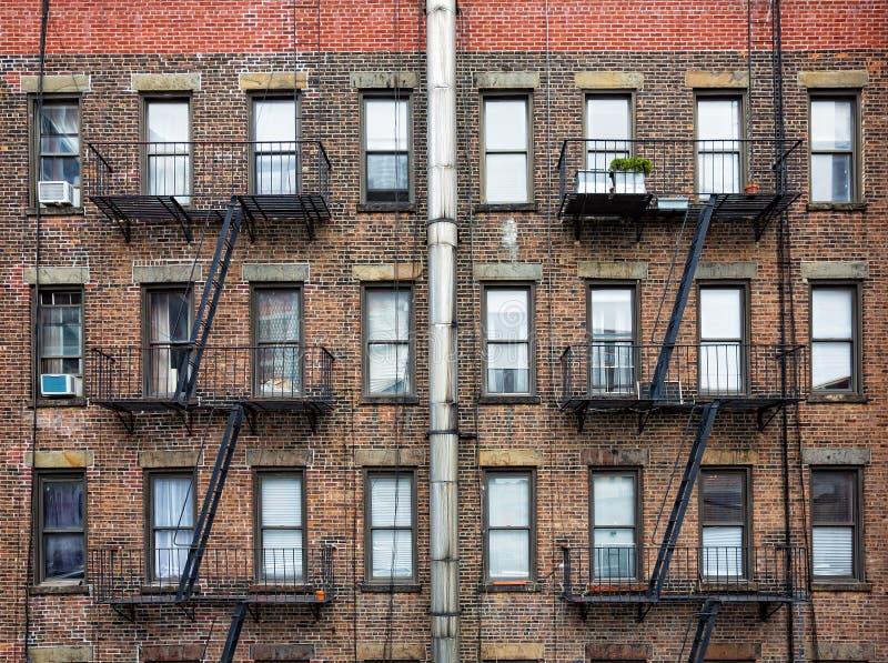 Flyktbrandstegar i NYC arkivbild
