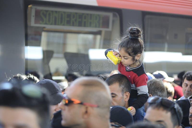 Flyktingar i Wien fotografering för bildbyråer