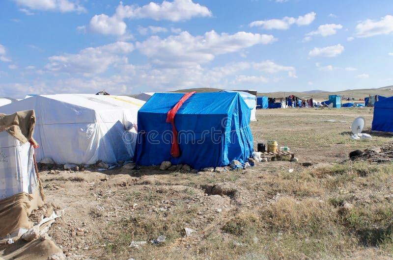 Flyktingläger in, ingenstans i mitten av Anatolien i Turkiet royaltyfri bild