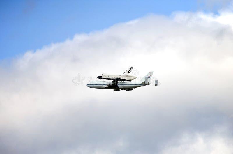 Flyover NYC da empresa da canela de espaço imagem de stock