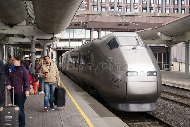 Download FlyToget Train At Oslo Railway Station Editorial Image - Image of europe, link: 28322590