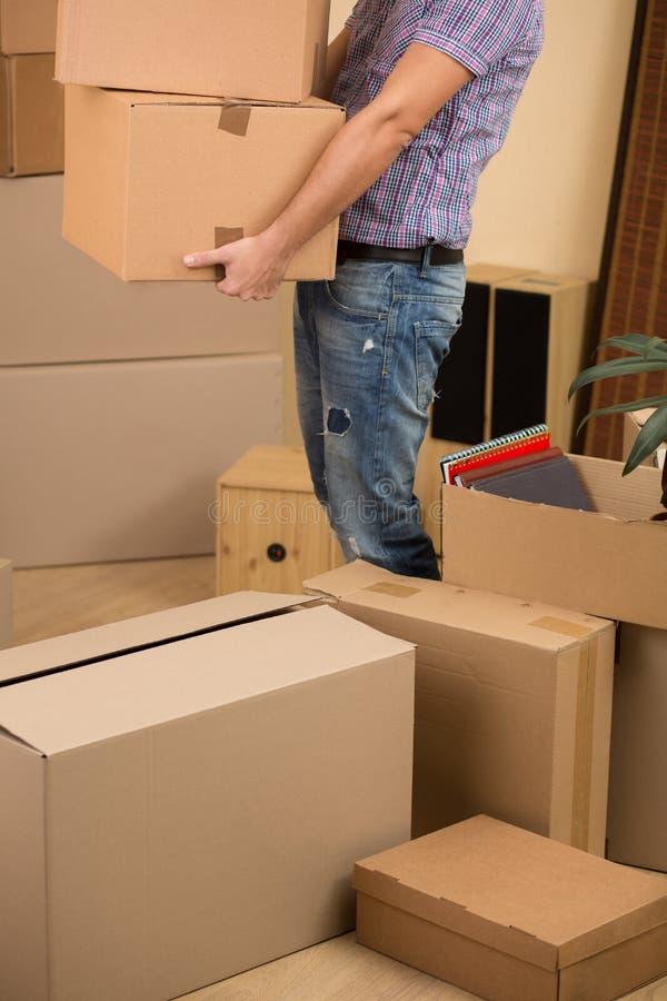Flytta sig in i ett nytt hus arkivbild