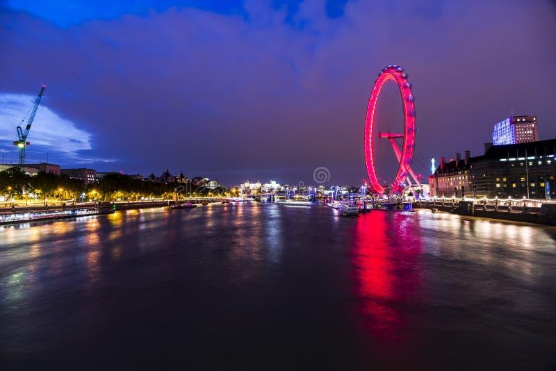 Flyttande London öga royaltyfri bild