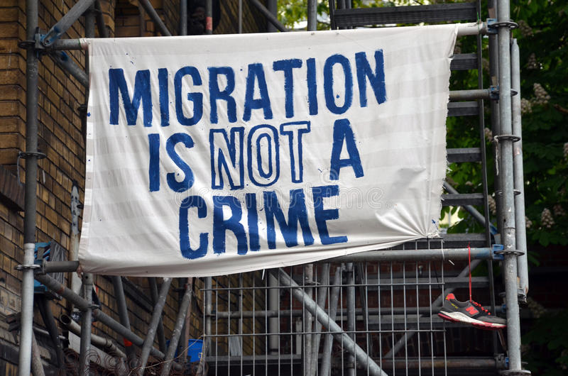 Flyttning är inte ett brott royaltyfri bild