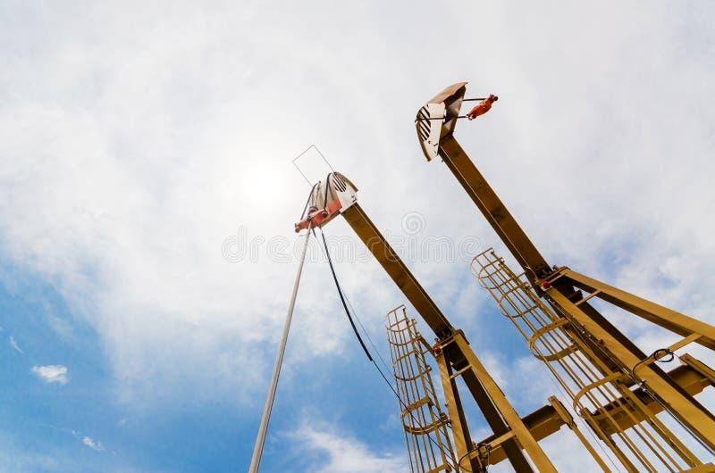 Flyttning för olje- pump Oljeindustri equipment arkivfoton