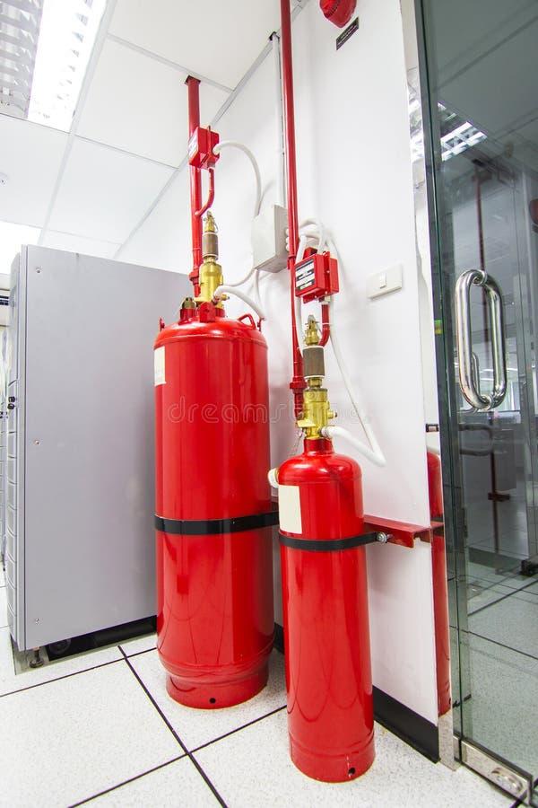 FM-200 systemów stłumienie, Chemiczny zbiornik używać dla gasić FM200 wylew Benzynowego system zdjęcia stock