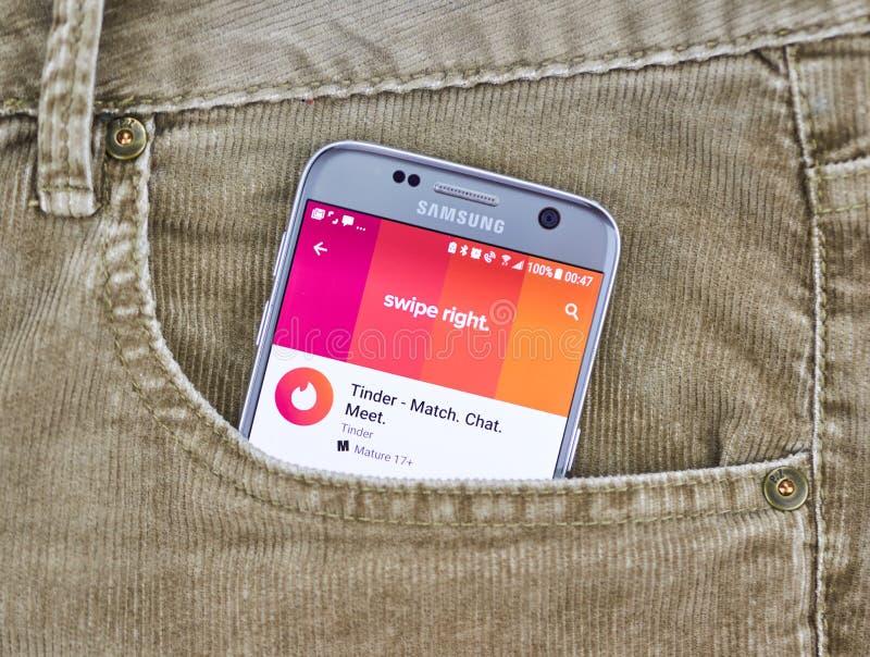 Fnöske app på en mobiltelefonskärm arkivbild
