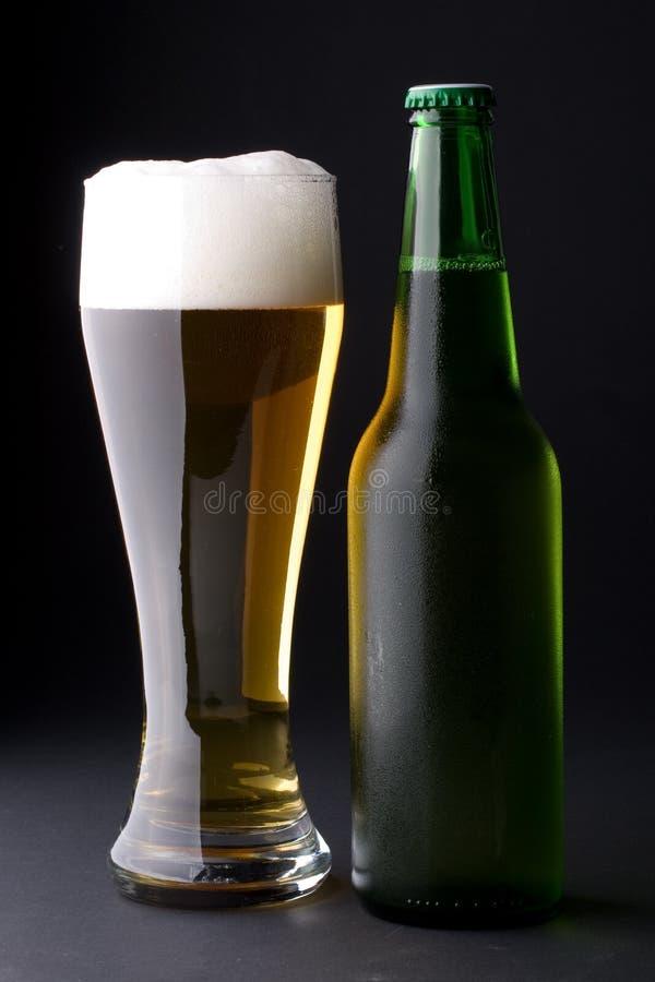 foamy nytt för öl arkivbilder