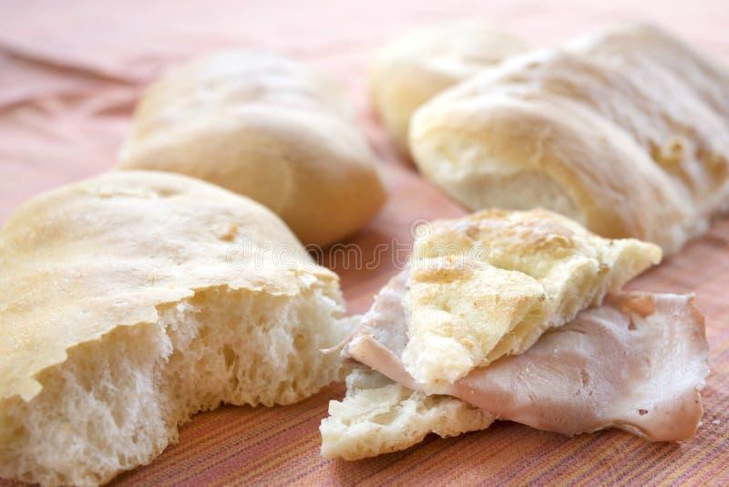 Focaccia bröd och mortadella fotografering för bildbyråer