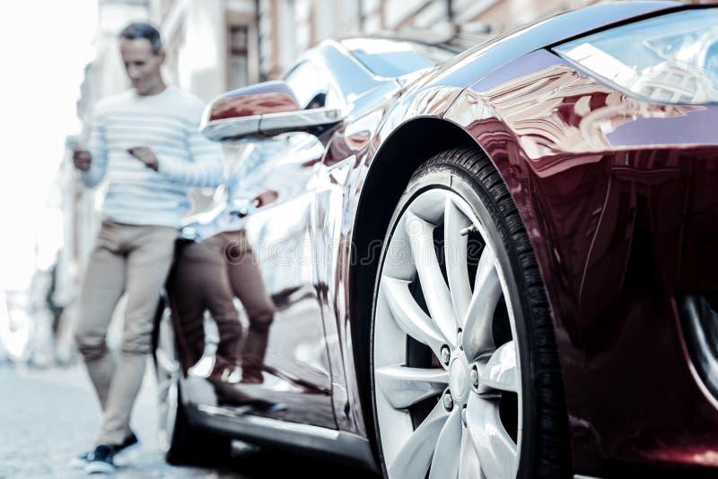 Foco selectivo de un coche moderno imágenes de archivo libres de regalías