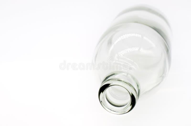 Foco selectivo en el detalle de la botella de cristal fotos de archivo