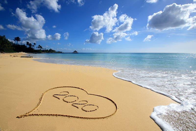 Focolare sulla spiaggia 2020 fotografia stock libera da diritti