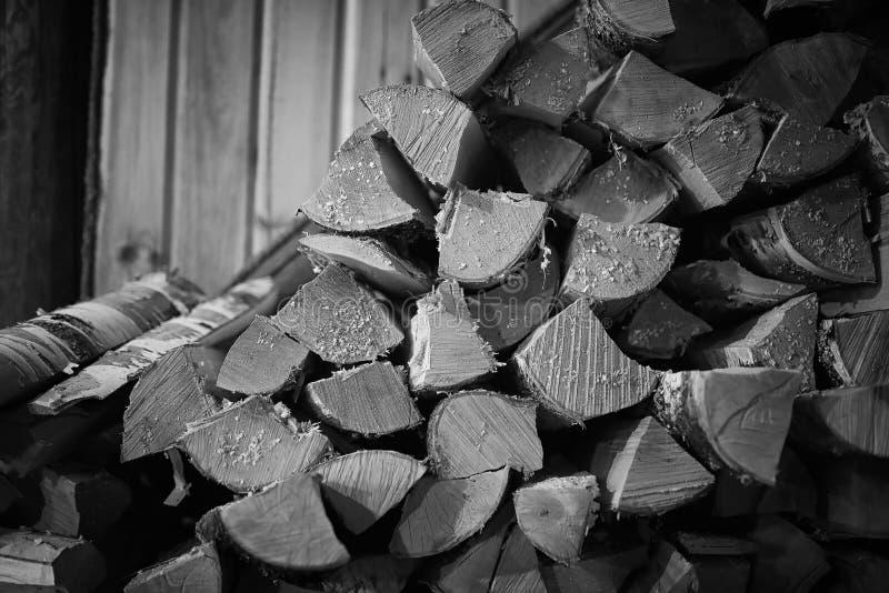 Fogão ardente de madeira Lenha para o aquecimento da fornalha Armazém para imagem de stock