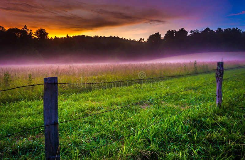 Fog at sunset at Cade's Cove, Great Smoky Mountains National Par. K, Tennessee stock photos