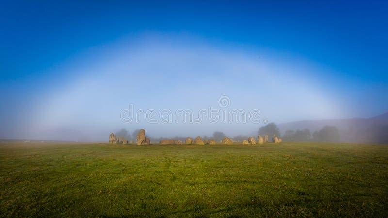 Fogbow fantasmal sobre círculo de la piedra de Castlerigg imágenes de archivo libres de regalías