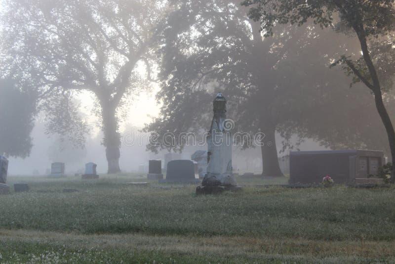 Foggy Tombstones royaltyfria bilder