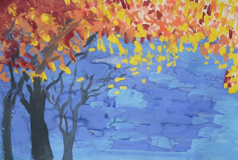 Fogliame luminoso della composizione in colori sui rami, alberi neri della siluetta immagine stock