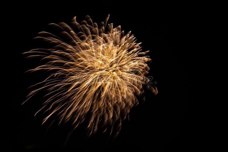 Fogo de artifício bonito no céu fotografia de stock