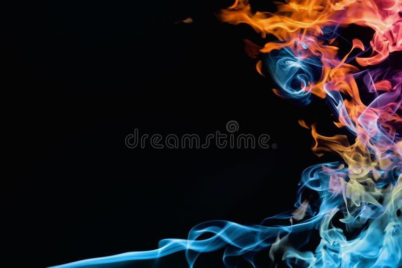 Fogo e fumo imagem de stock