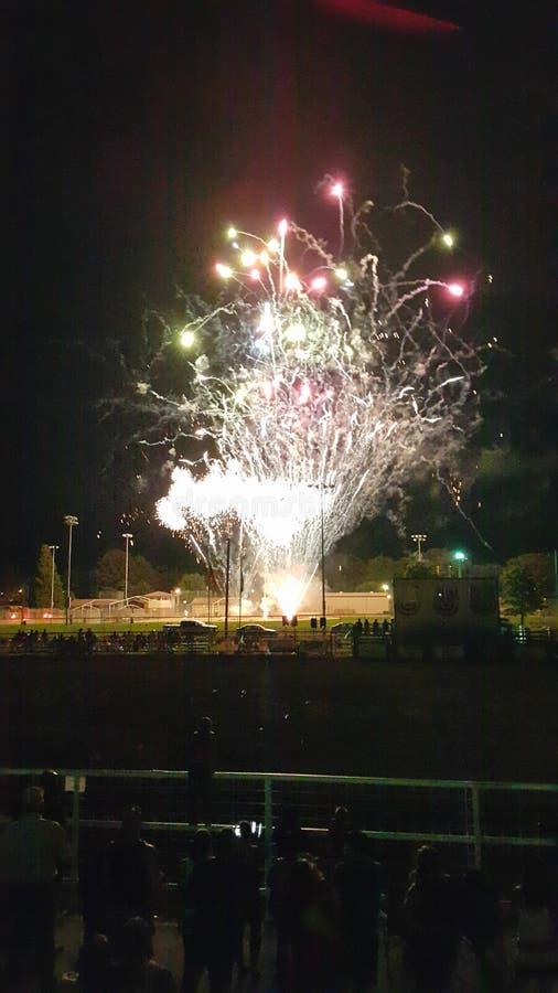 Fogos-de-artifício brilhantes imagem de stock