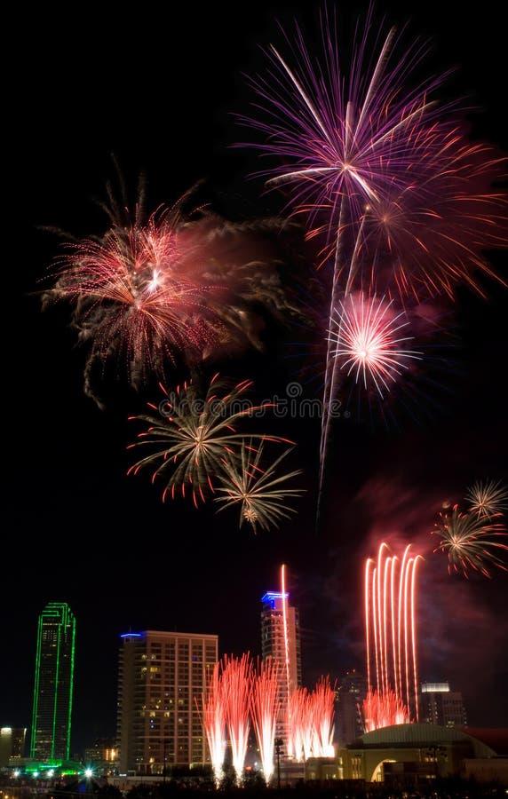 Fogos-de-artifício - Dallas Texas imagem de stock royalty free