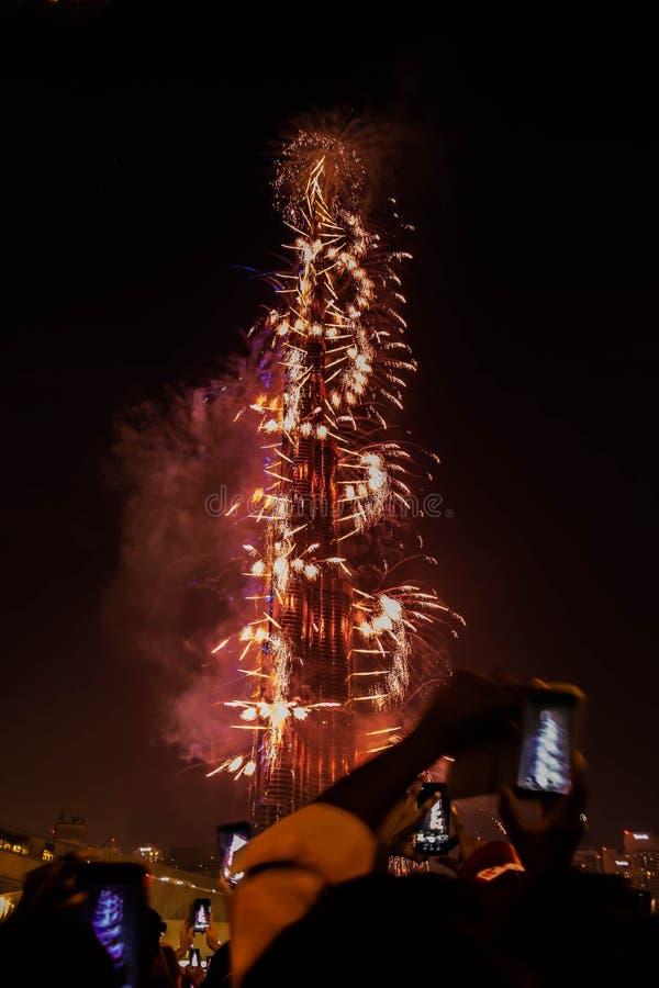 Fogos de artifício do ano novo em Burj Khalifa, Dubai, Emiratos Árabes Unidos fotografia de stock