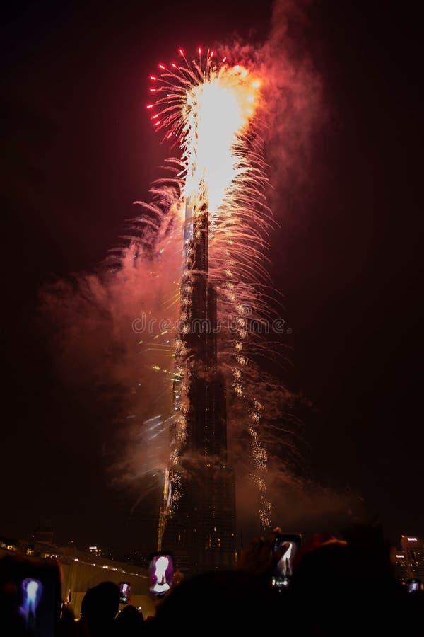 Fogos de artifício do ano novo em Burj Khalifa, Dubai, Emiratos Árabes Unidos imagens de stock royalty free
