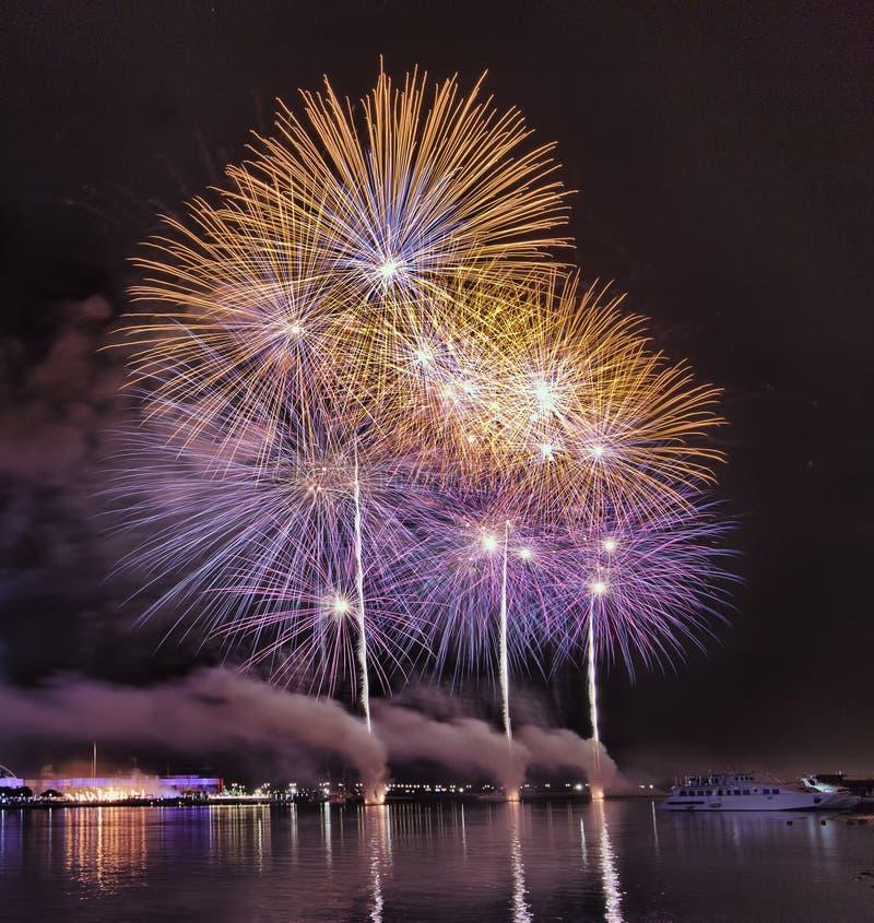 Fogos-de-artifício DSF de Dubai imagem de stock