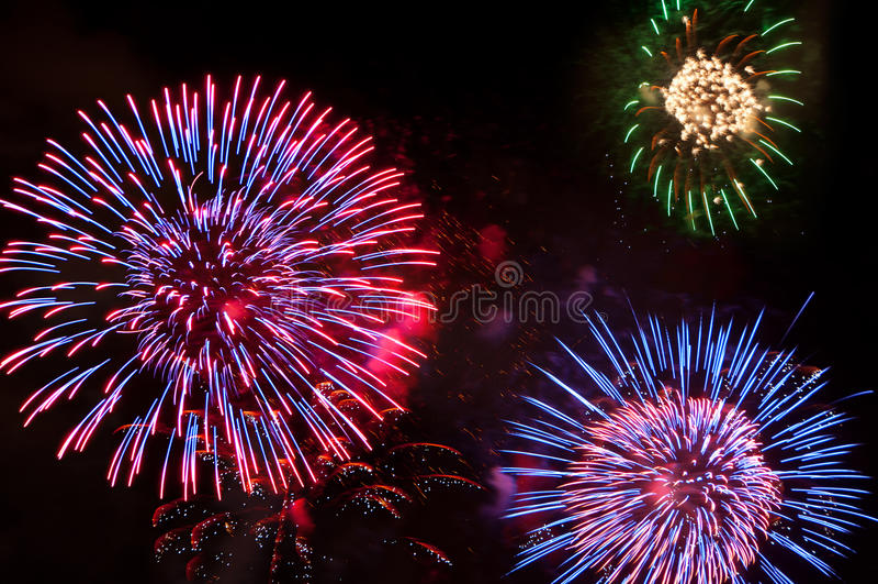 Fogos-de-artifício em ô julho imagem de stock