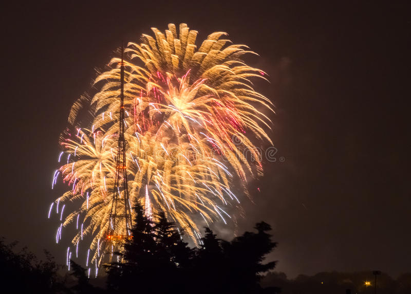 Fogos-de-artifício em Guy Fawkes Night fotografia de stock royalty free