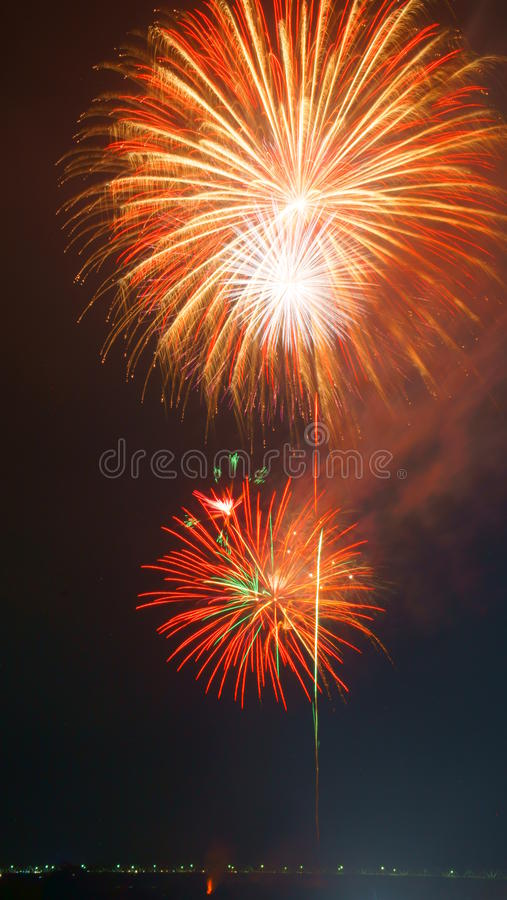 Fogos-de-artifício grandes de Nobi (Noubi) fetival fotografia de stock