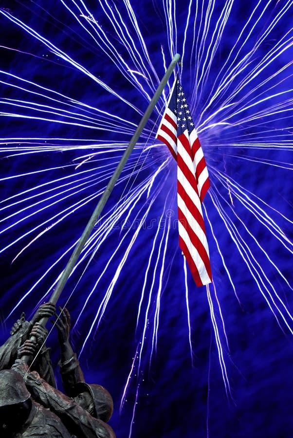 Fogos-de-artifício no memorial de Iwo Jima imagem de stock royalty free