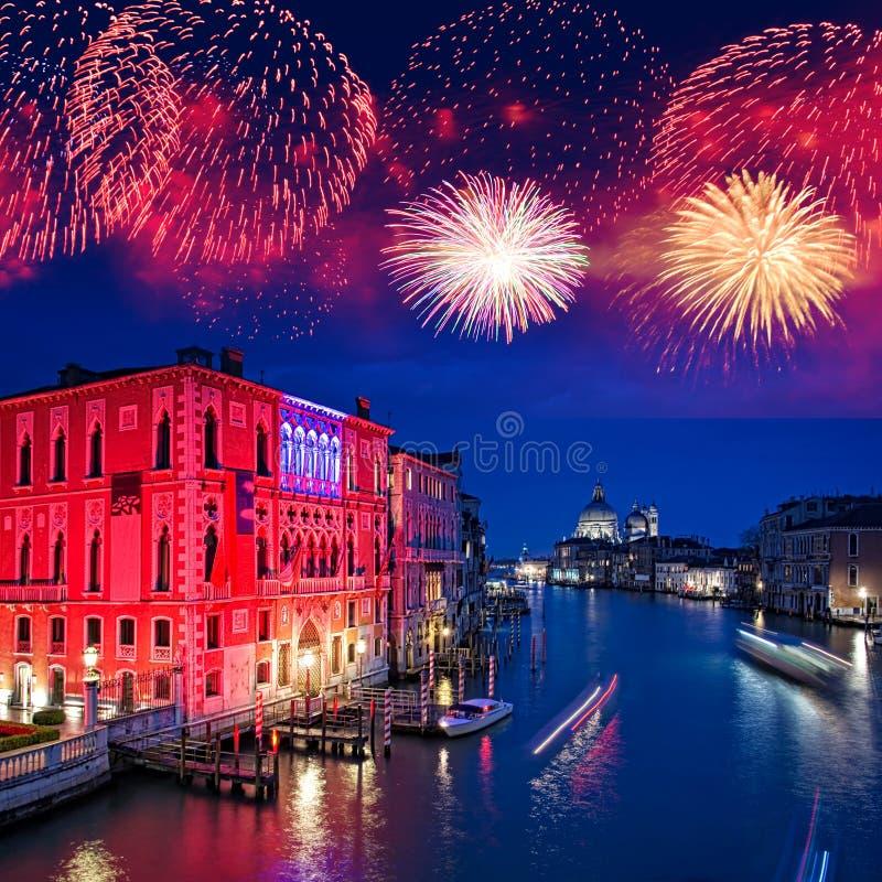Fogos-de-artifício sobre Grand Canal de Veneza fotos de stock