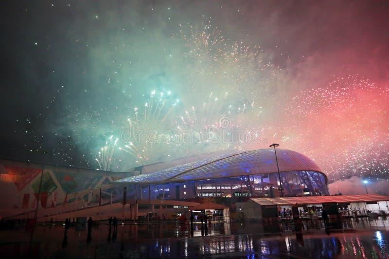 Fogos-de-artifício sobre o estádio Fisht fotos de stock royalty free
